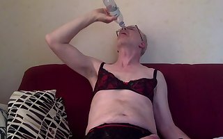 Jerking off, cuming in a bottle and drinks my cum